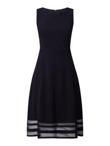 Granatowa sukienka Paradi bez rękawów z szyfonu