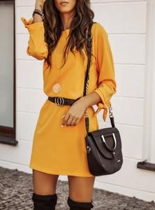 Żółta sukienka Pakuten trapezowa z okrągłym dekoltem mini