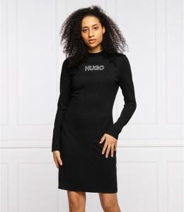 Czarna sukienka Hugo Boss mini z okrągłym dekoltem prosta