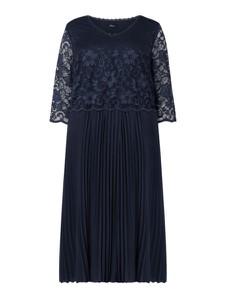 Granatowa sukienka Sheego z długim rękawem maxi