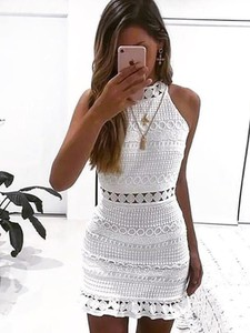 Sukienka Kendallme z golfem dopasowana