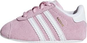 Różowe buciki niemowlęce Adidas Originals ze skóry