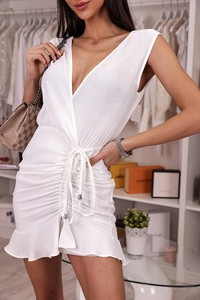 Sukienka IVET mini z dekoltem w kształcie litery v dopasowana
