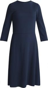 Niebieska sukienka Kiomi z długim rękawem z okrągłym dekoltem