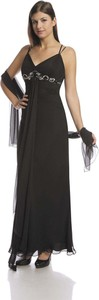 Czarna sukienka Fokus z dekoltem w kształcie litery v maxi rozkloszowana