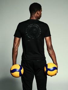 Czarny t-shirt 4F w sportowym stylu