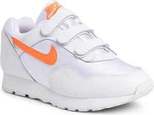 Białe buty damskie Nike, kolekcja jesień 2019