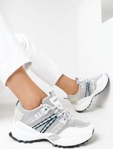 Buty sportowe born2be sznurowane w sportowym stylu