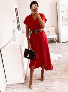 Sukienka Pakuten z krótkim rękawem midi asymetryczna