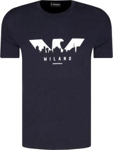 Granatowy t-shirt Emporio Armani w młodzieżowym stylu