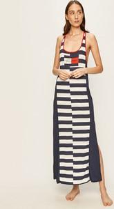 Sukienka Tommy Hilfiger z okrągłym dekoltem w stylu casual z bawełny