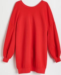 Czerwona sukienka Reserved z długim rękawem z okrągłym dekoltem