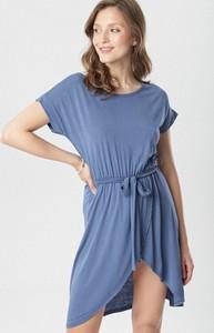 Granatowa sukienka born2be z krótkim rękawem z okrągłym dekoltem
