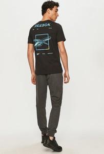 T-shirt Reebok z krótkim rękawem z nadrukiem z bawełny