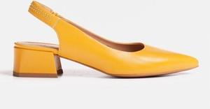 Sandały Marco Shoes na średnim obcasie na obcasie