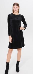Czarna sukienka Mohito trapezowa