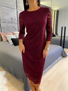 Czerwona sukienka ModnaKiecka.pl z okrągłym dekoltem