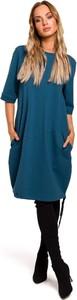 Niebieska sukienka Merg w stylu casual z okrągłym dekoltem midi