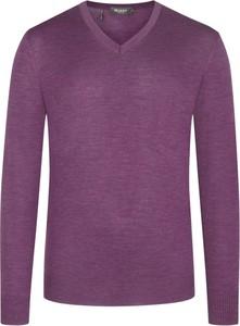 Różowy sweter Maerz