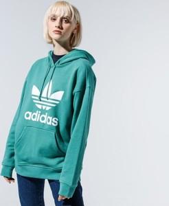 Zielona bluza Adidas długa w sportowym stylu z nadrukiem