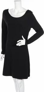 Czarna sukienka Erbs z długim rękawem z okrągłym dekoltem