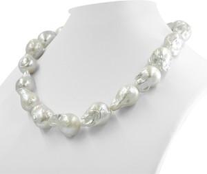 Braccatta noriko, naszyjnik z białych pereł barokowych