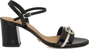 Czarne sandały Kazar na średnim obcasie z klamrami