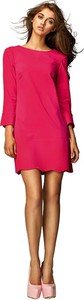 Różowa sukienka Nife z okrągłym dekoltem