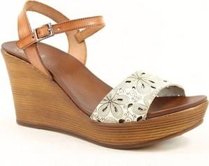 Brązowe sandały Gaia Verdi na koturnie