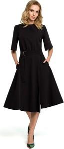 Sukienka MOE midi z okrągłym dekoltem z długim rękawem