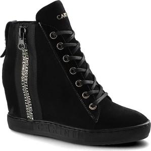 Czarne buty sportowe Carinii z zamszu na zamek