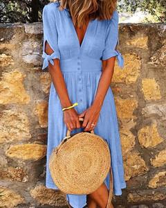 Niebieska sukienka Kendallme trapezowa w stylu casual