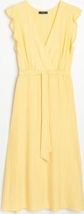 Żółta sukienka Reserved w stylu casual z okrągłym dekoltem