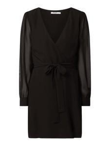Sukienka NA-KD z długim rękawem kopertowa