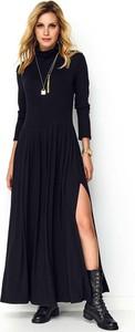 Czarna sukienka Makadamia maxi prosta z długim rękawem
