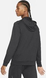 Czarna kurtka Nike krótka w sportowym stylu