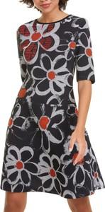 Sukienka Desigual z krótkim rękawem trapezowa