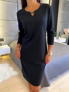 Czarna sukienka ModnaKiecka.pl z okrągłym dekoltem z długim rękawem mini