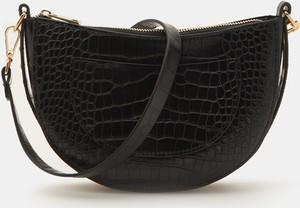 Czarna torebka Sinsay z tłoczeniem ze skóry