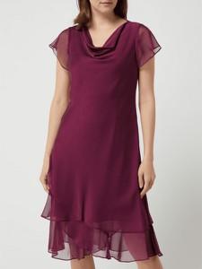 Czerwona sukienka Christian Berg z dekoltem w kształcie litery v