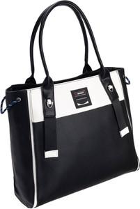 Czarna torebka Monnari w sportowym stylu