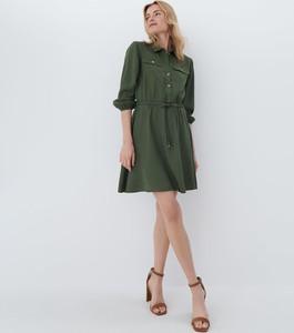 Zielona sukienka Mohito z kołnierzykiem koszulowa