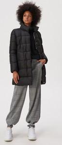 Czarna kurtka Sinsay długa w młodzieżowym stylu
