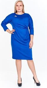 Niebieska sukienka Fokus z długim rękawem z okrągłym dekoltem