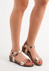 Różowe sandały Seastar w stylu casual z płaską podeszwą