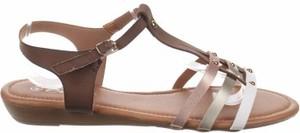 Sandały Emella z klamrami