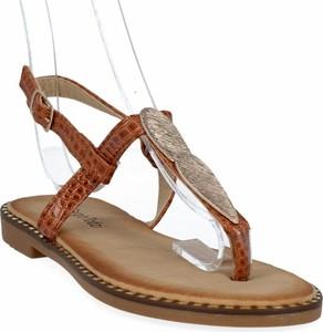 Brązowe sandały Sergio todzi z klamrami ze skóry ekologicznej z płaską podeszwą
