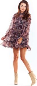 Różowa sukienka Awama z szyfonu z długim rękawem