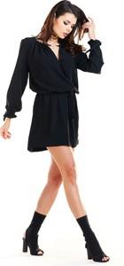 Sukienka Awama mini z dekoltem w kształcie litery v z długim rękawem