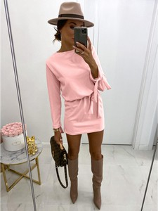 Różowa sukienka magmac.pl mini z tkaniny
